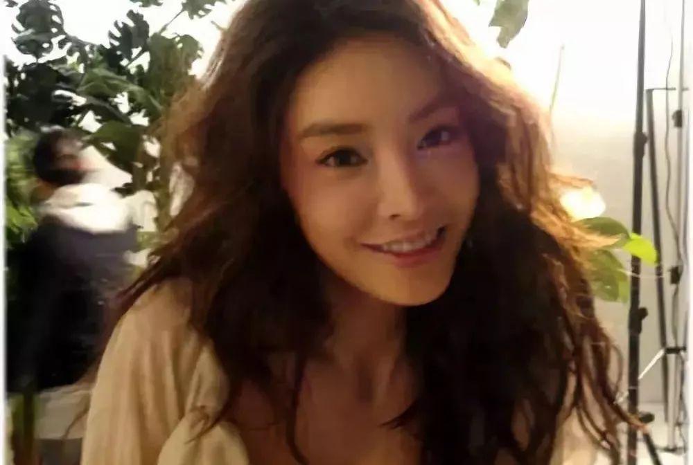 突发 25岁亚洲当红女星死在家中,现场曝光