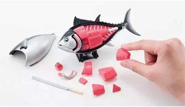 不过今天废柴看到一款疗癒到爆炸的玩具,竟然是把鲔鱼解剖成3d立体拼图来玩!