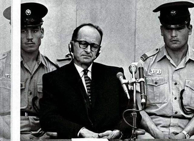 他是纳粹余孽,二战后在南美建立国中国,一心想要复辟后被监禁