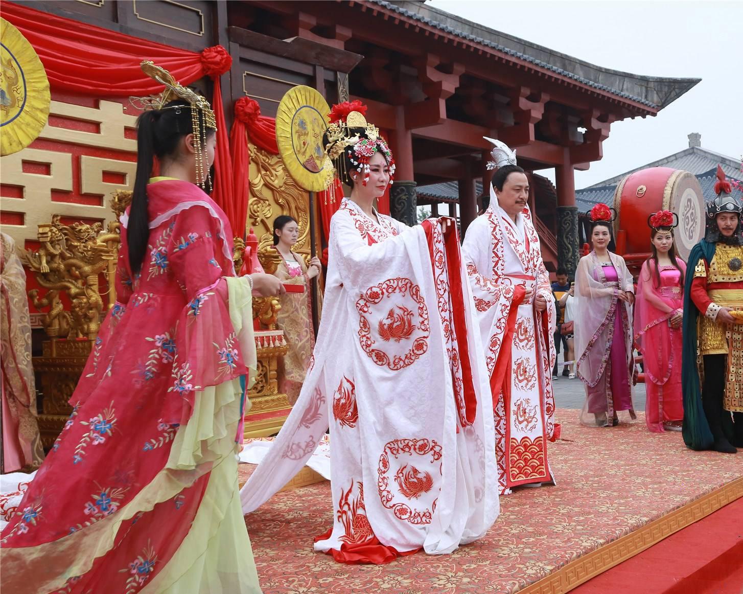 中式婚礼有什么样的魅力让越来越多的外国人喜欢