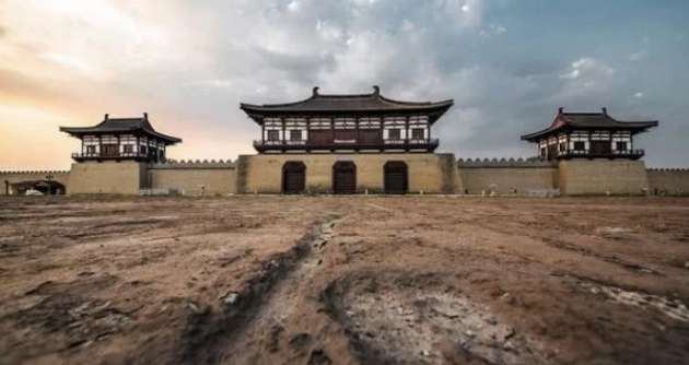 古代城门是木头做的,那为什么攻城的时候不用火烧?看完才明白
