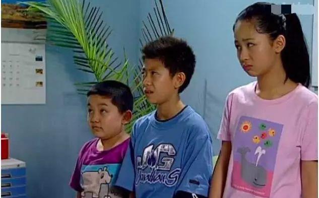 """杨紫""""弟弟""""复出,23岁比张一山还显老,""""可爱劲""""荡然无存"""