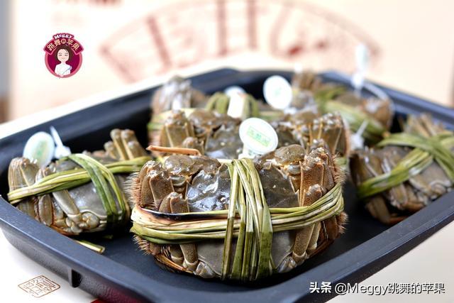 此季吃大闸蟹最划算,不炒不炸,只需一味料,黄满膏肥味儿鲜美