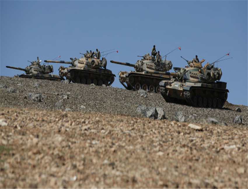 美军扔下小弟不闻不问,土耳其重炮在法基地响起,马克龙:此仇必报