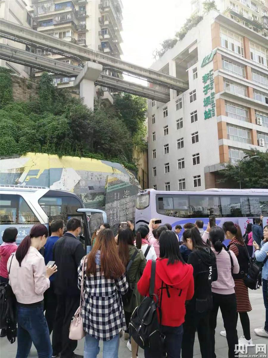 【记者观察】交旅融合:当公共交通变身网红
