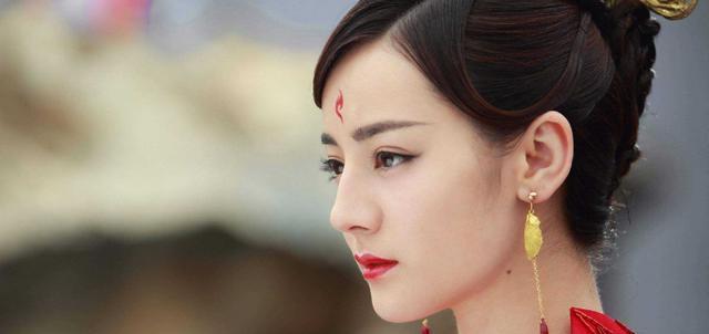最受欢迎女星排行榜,赵丽颖第一,杨幂跌出前四