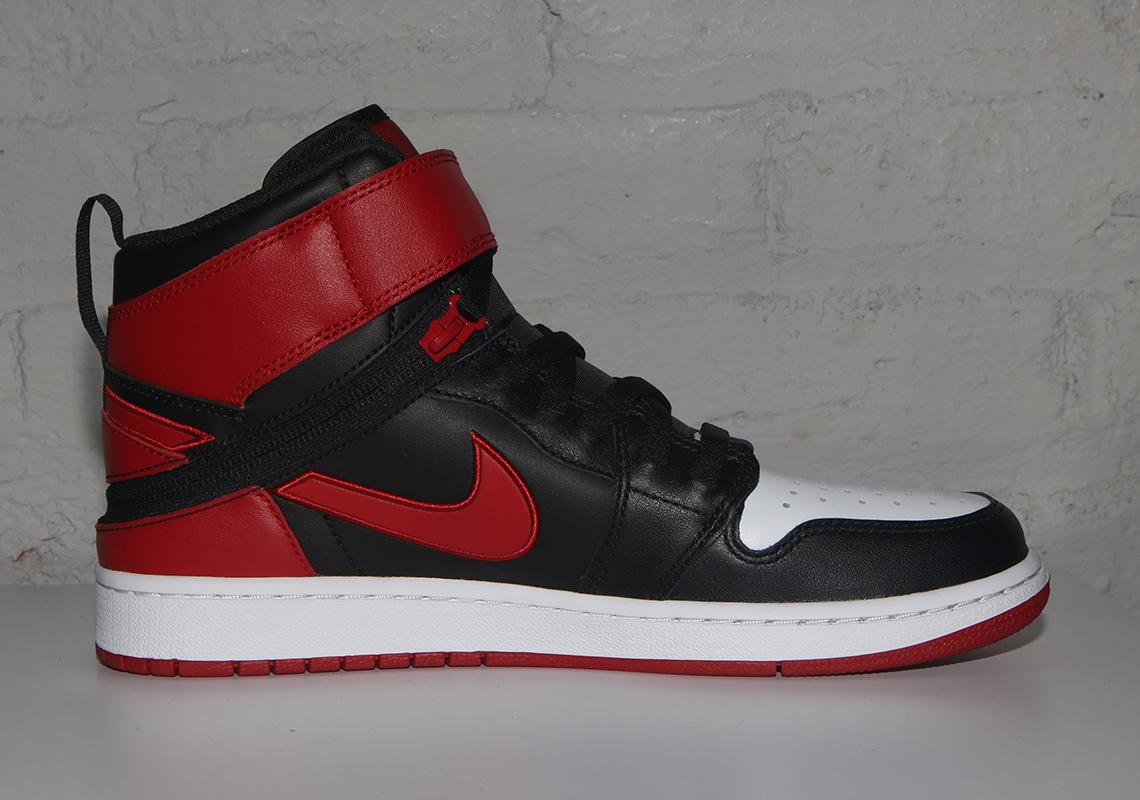 Nike Air Jordan 1 上增加了一个辅助功能选项,帮你轻松穿脱