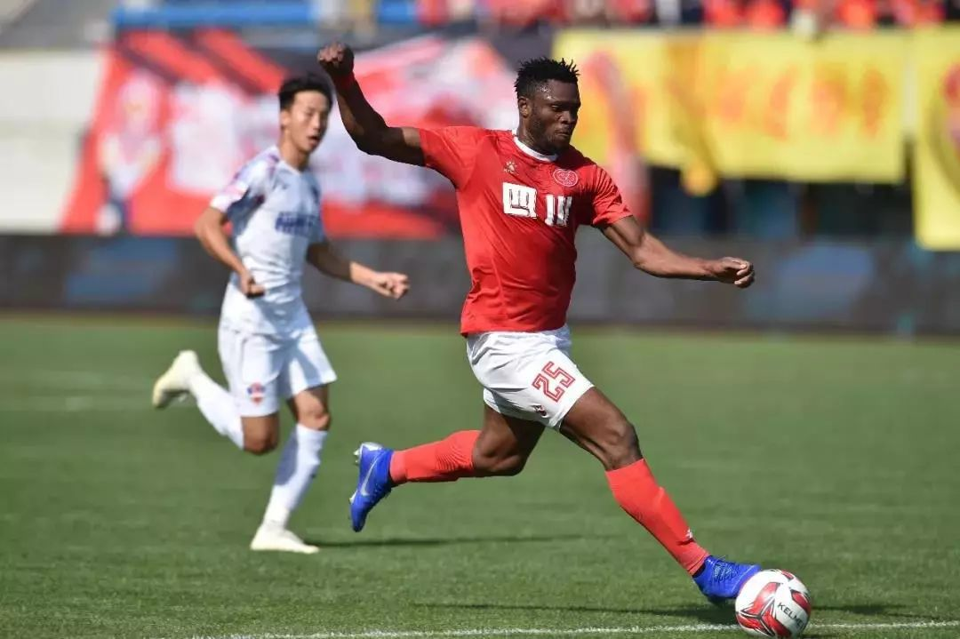 他加盟四川FC,一直被称为水货外援,但这场比赛爆发了,他是谁?_黎兵