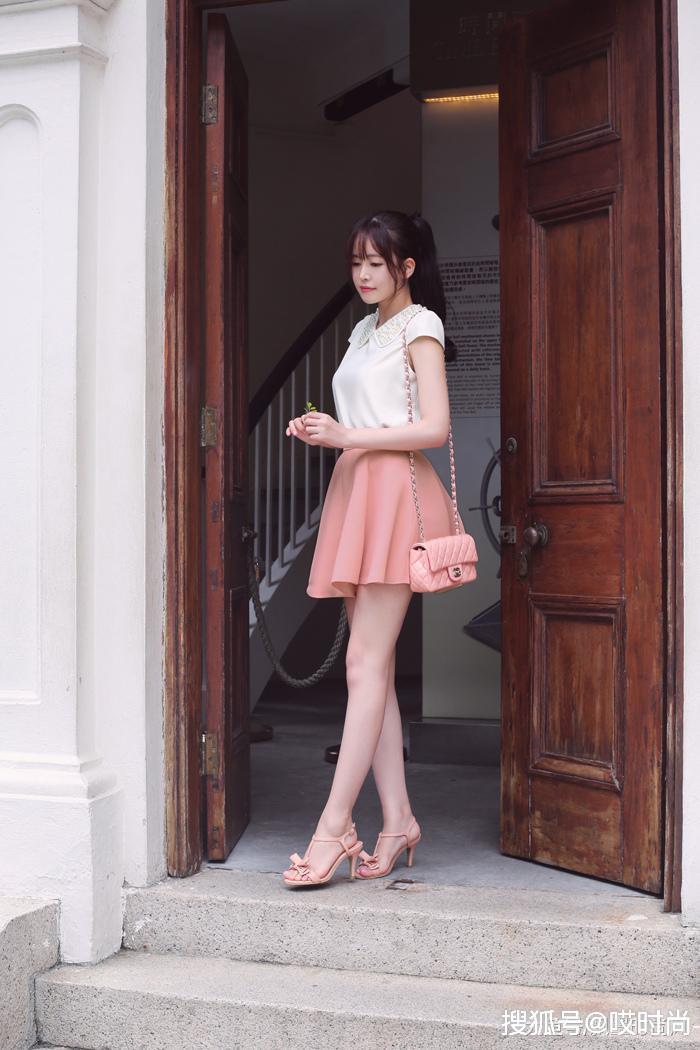 原创美女的近景时尚,拍出裙子的绝代风华,绽放迤逦风采!