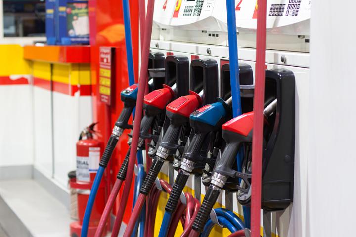 <b>河北省降低成品油最高零售价格92号汽油每升6.61元95号汽油每升6.98元</b>
