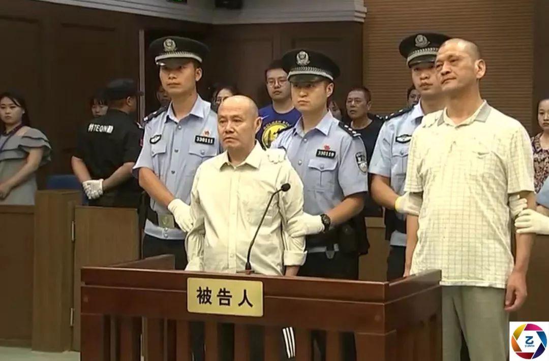 男子旅馆抢劫杀四人潜逃22年,被抓时已成著名作家,今被执行死刑_刘永彪