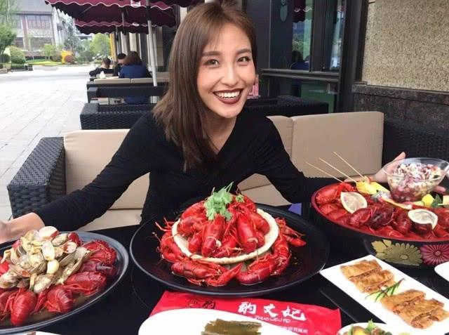 西班牙的美食圣地,这里的龙虾相当廉价,穷人将其作为家常饭菜!
