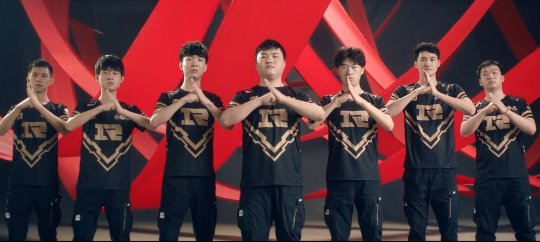 RNG队员合同到期了?谁该走,谁留下!网友:UZI和ming都不能放!