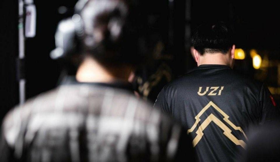 """""""UZI简自豪OMG""""的图片搜索结果"""