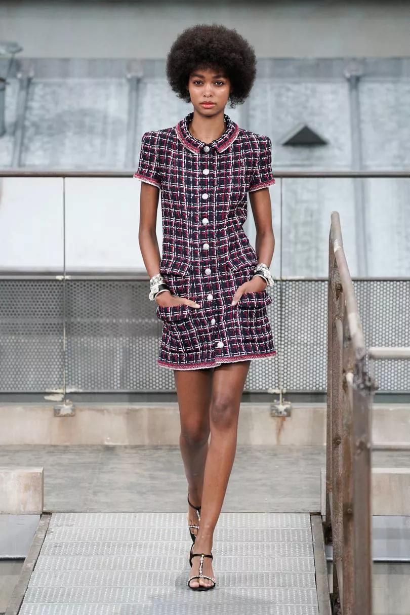 <b>一样的味道 香奈儿Chanel 2020春夏系时装秀 </b>