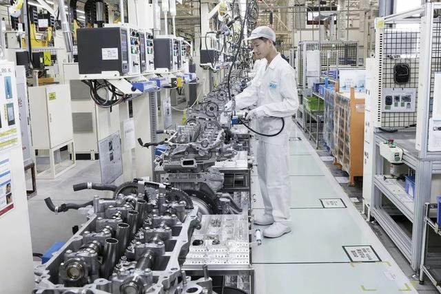 郑州gdp破万_2018年郑州GDP破万亿 成功晋级 万亿俱乐部(3)