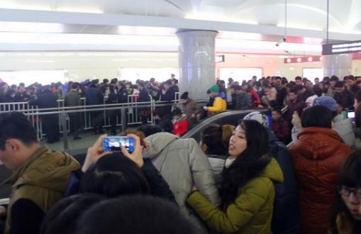 直击国内最拥挤的八处城市地铁