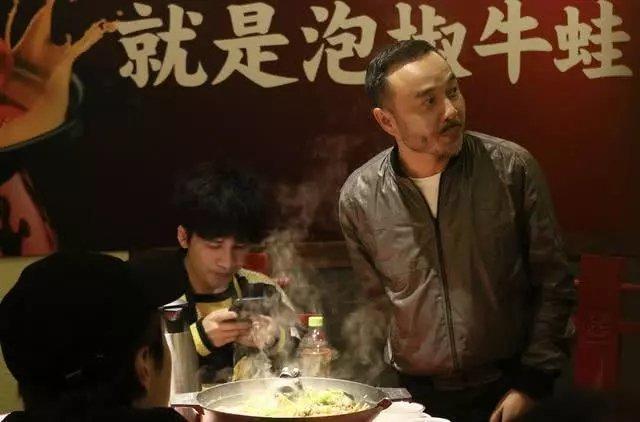 汪涵带杨乐乐天天兄弟聚餐,只送王一博礼物,被指偏心引争议