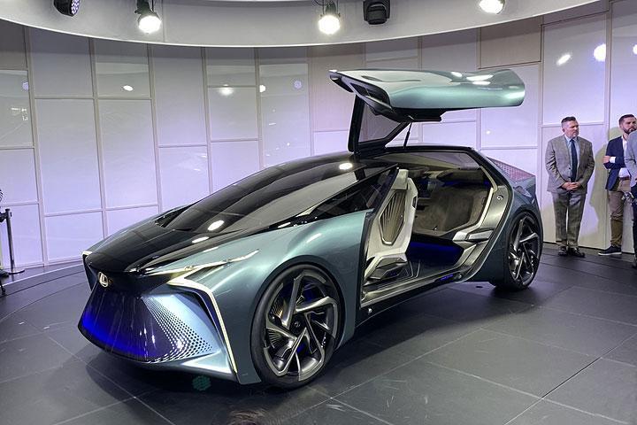 雷克萨斯首款电动车发表,超跑性能,却不是重点?