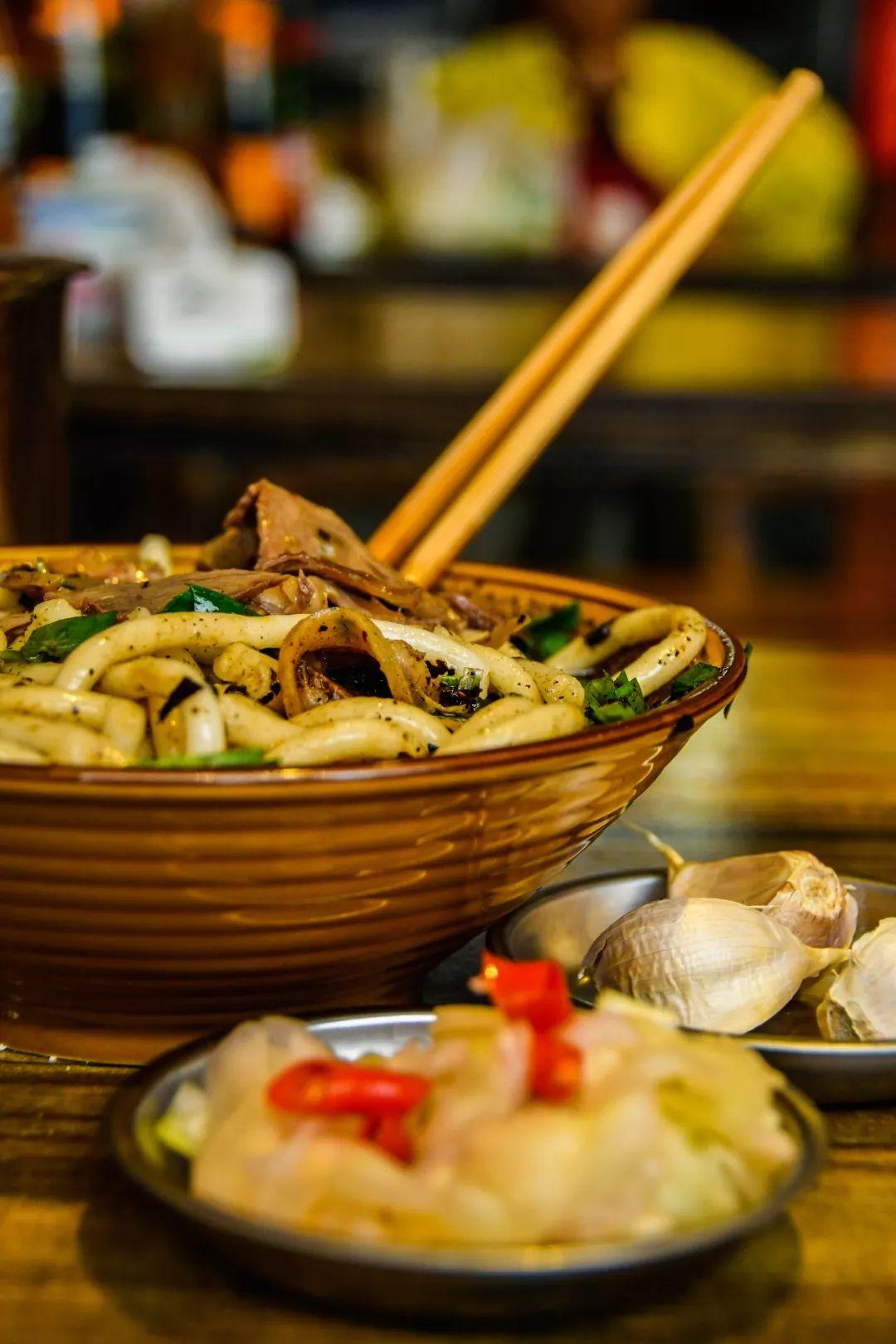 一碗羊肉粉,温暖过秋冬:遵义106老牌羊肉粉,传承20年的味道!