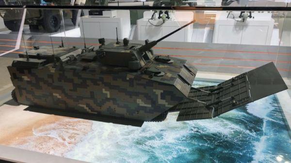 韩国军工企业公布新型两栖攻击车模型