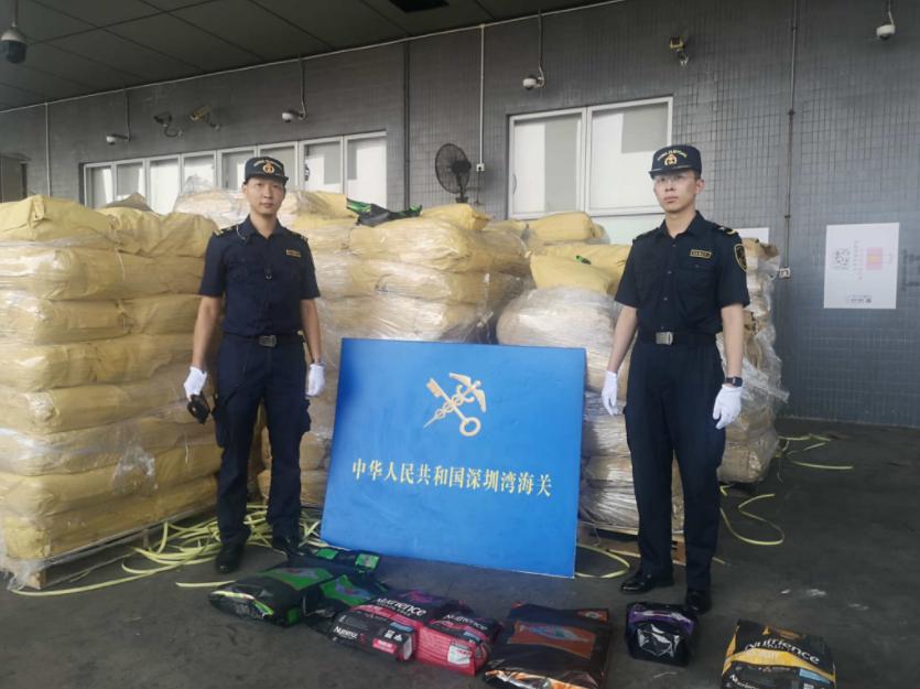 货柜车申报进口活性炭,实为走私15吨未经检疫猫狗粮