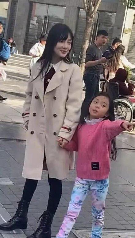 女儿生日贾乃亮未能与其相见,发文送祝福不见李小璐回应 作者: 来源:猫眼娱乐V
