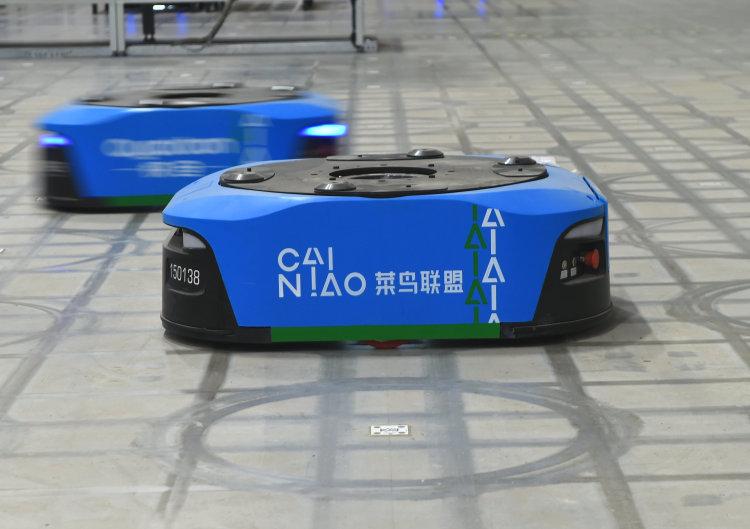 阿里菜鸟新一代智能仓上线 超千台机器人联手发货能力提升60%