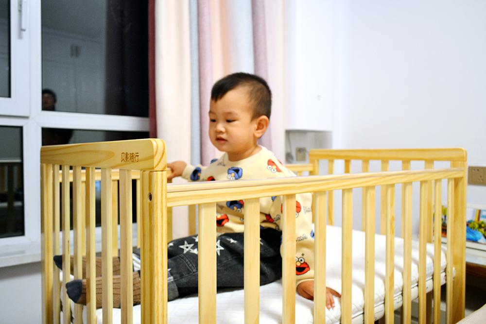 送宝宝的第一件礼物,贝影随行婴儿床,开启我的父爱之旅