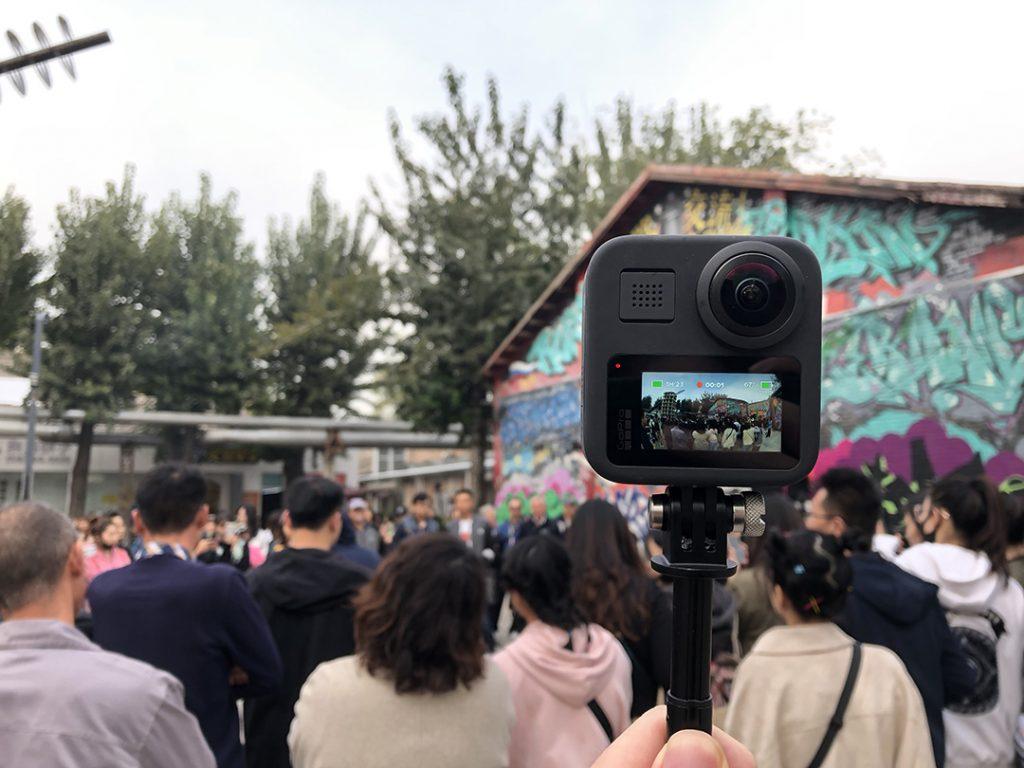 能拍照片录视频也能拍全景,来看 GoPro MAX 有什么不同