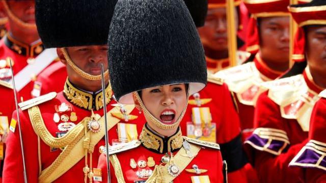 刚刚被废的泰国贵妃,可能还面临最高15年监禁