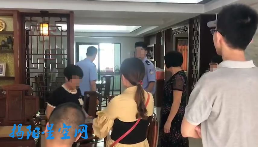 潮汕一月嫂抓着刚满月婴儿脖子剧烈摇晃,雇主当即报警