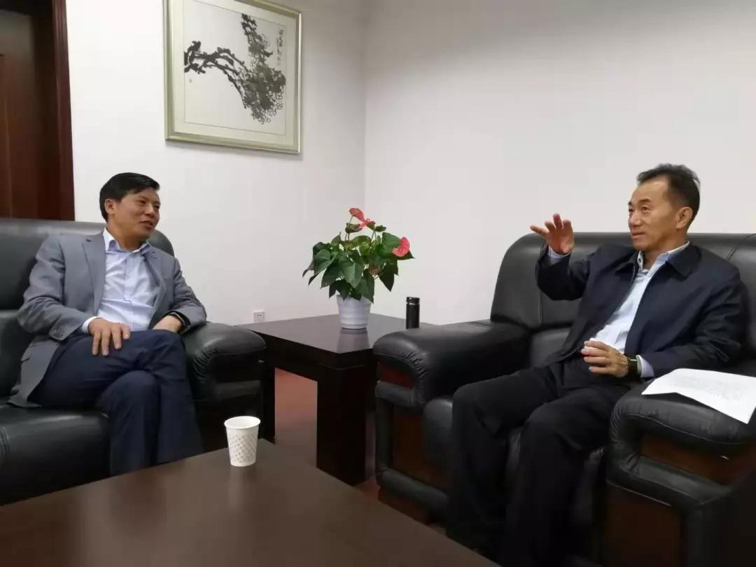 """李鸿会长和王小东会长到访""""娘家""""一一四川省"""