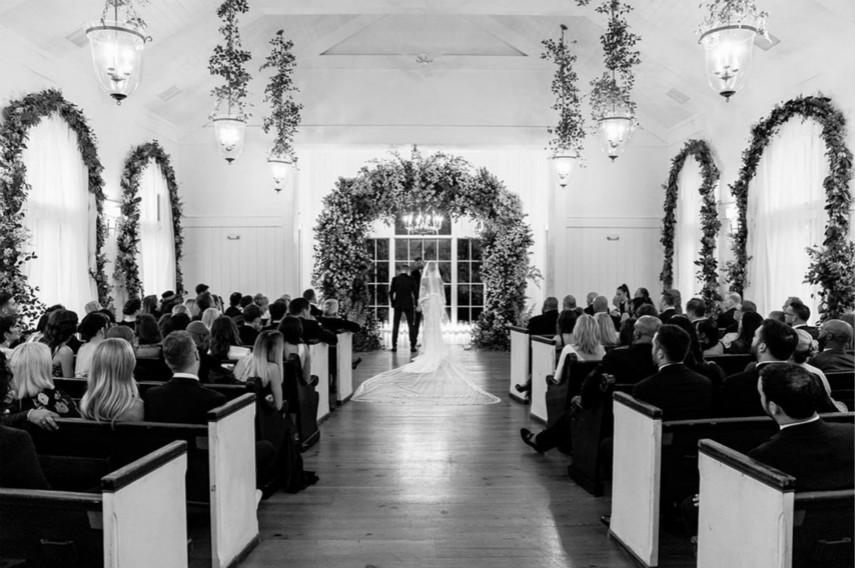 賈斯汀·比伯補發婚紗照 像是好萊塢愛情電影