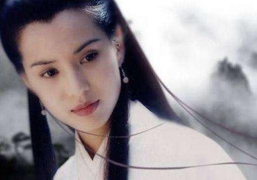 """""""小龙女""""嫁人了?李若彤晒婚纱照,知道真相后感觉莫名心酸"""