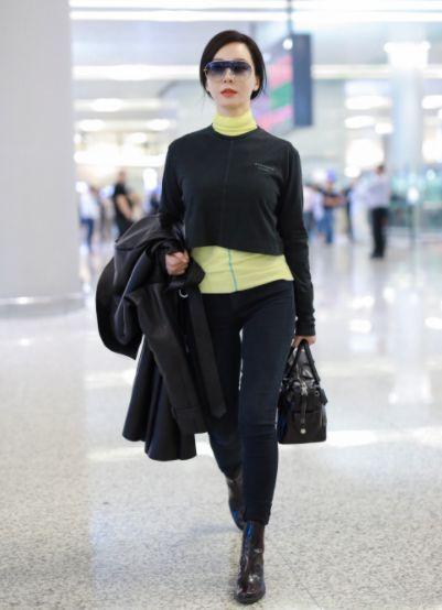 时髦的高级感是什么样?看看陈数这穿搭优雅气质,完全看不出中老年样