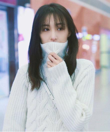 郑爽鼻子上热搜,和张恒是否分手成悬疑,她的困境是谈恋爱吗?