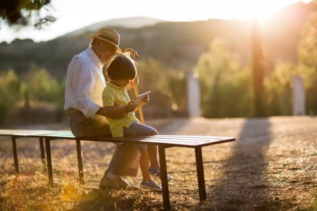 男孩越是在这3个方面富养,长大后越可能成功,父母注意别搞错了