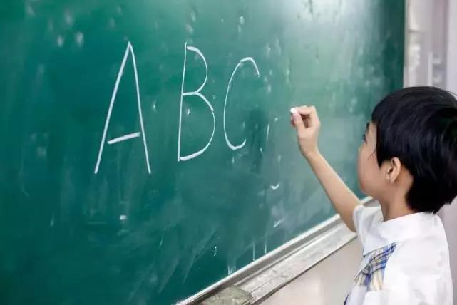 """""""英语成绩差的孩子"""",97%都会遇到这样的问题"""