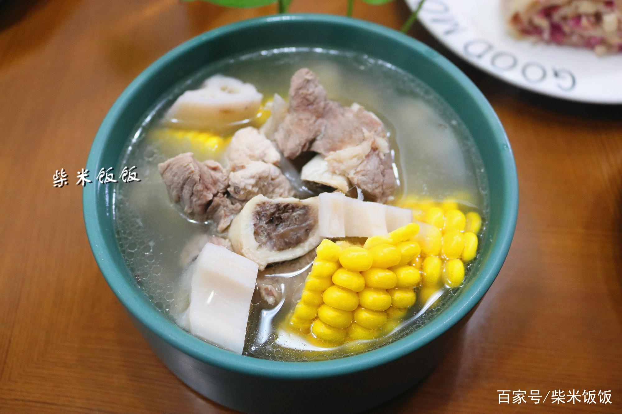 <b>10月天凉,这汤要多喝!3种食材搭配,滋润营养,再贵也别省</b>
