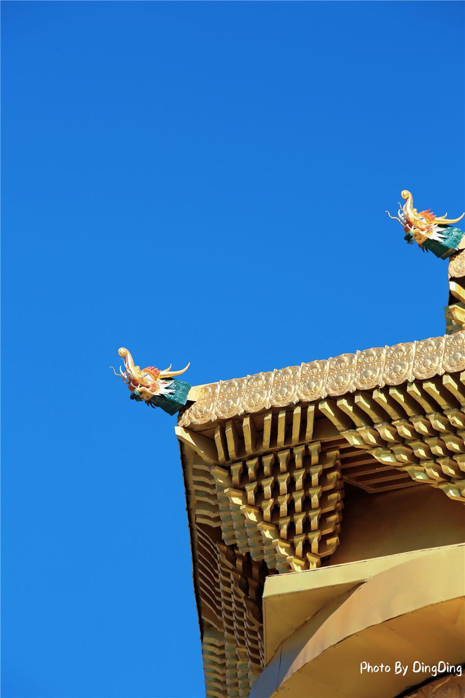 原创             只有到了肃南旅行,才能看到世界最大转经筒,巨型转轮镀着金箔