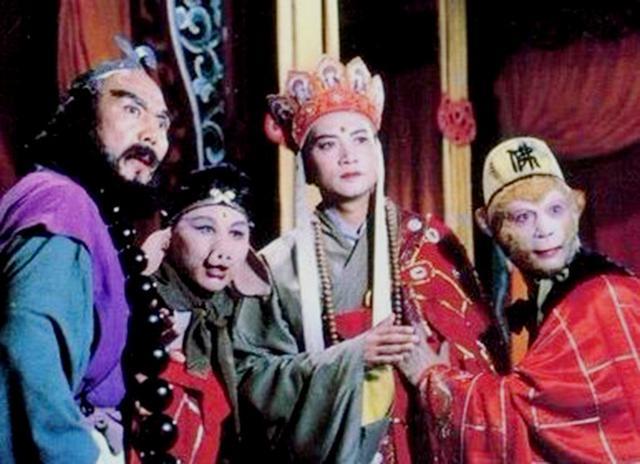 """西游记里有一对""""神偷侠侣""""?居然偷到王母头上还没被发现?_万圣老"""