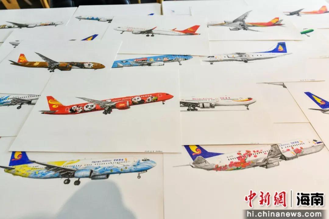 107天手绘70架飞机 民航人用画笔向祖国献礼