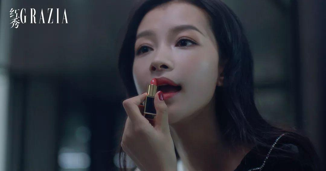 孫怡的撩心時刻丨純粹色澤釋放迷人魅力,激吻唇間