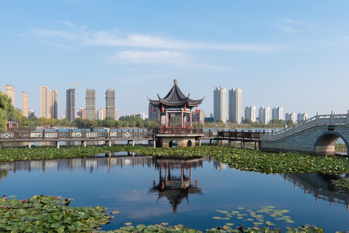 江苏苏北县城一座公园,名气不大但颜值却不低,免费开放_双湖
