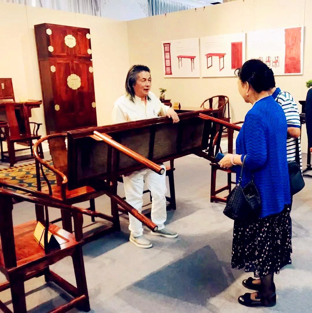 伍炳亮携国宝级海南黄花梨重器亮相南京国际博览中心
