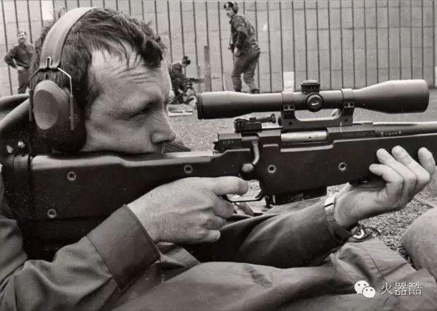 【往期精选】在游戏中神一样的存在L96A1狙击步枪