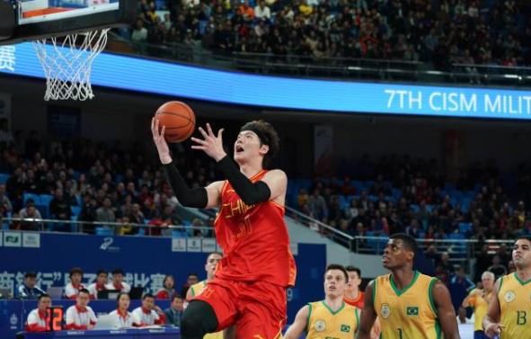 中国男篮获铜牌 最后一分钟翻盘