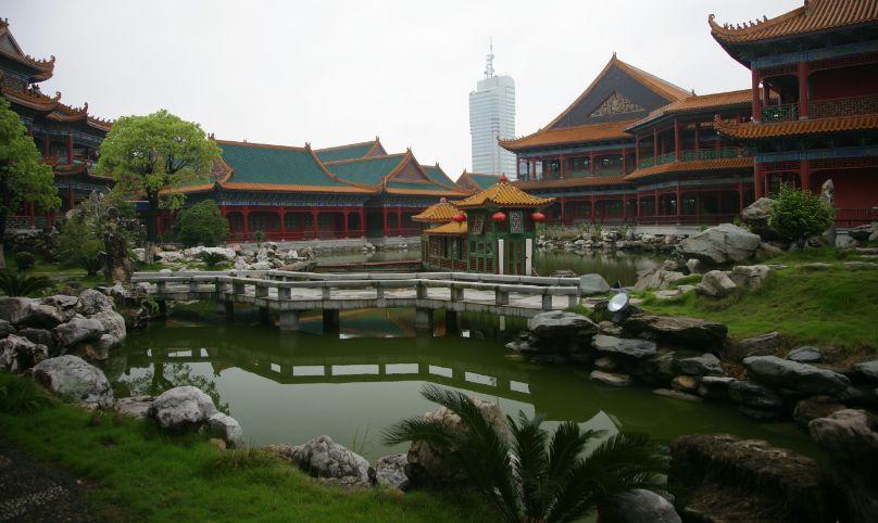 世界最大的中餐馆西湖楼亭台楼阁
