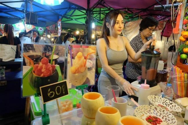 """泰国人气最旺的""""网红""""夜市,没有宰客行为,"""